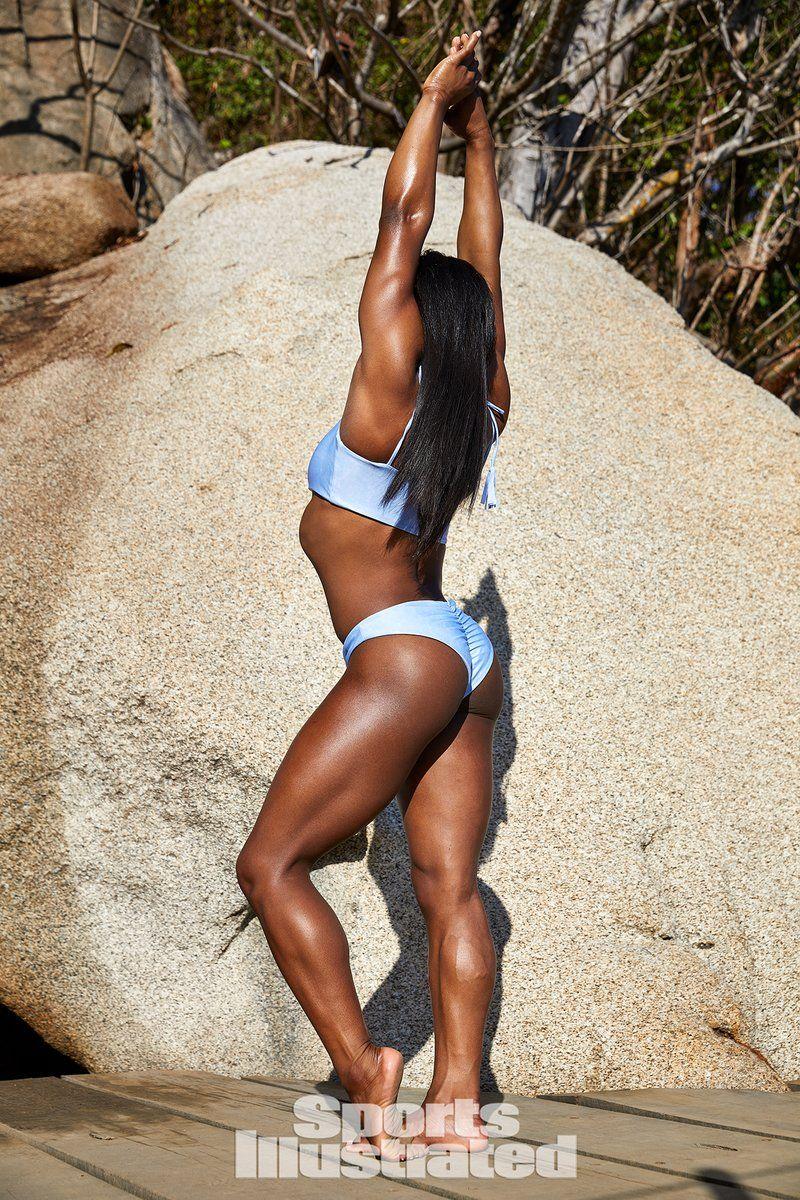 0409065904998_03_Simone-Biles-Nude-Sexy-TheFappeningBlog.com-3.jpg