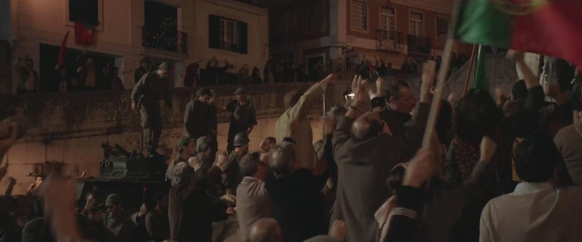 Длинные волны / Les grandes ondes (à l'ouest) (2013/HDTVRip-AVC), Субтитры