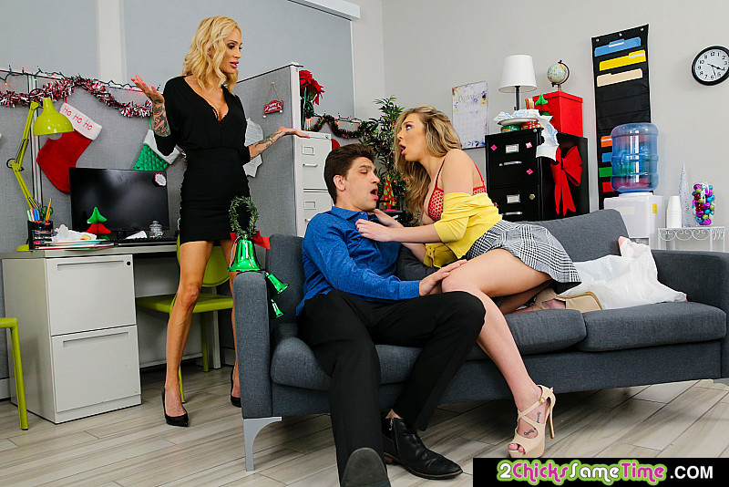 [2ChicksSameTime.com / NaughtyAmerica.com] Sarah Jessie, Tiffany Watson - Sarah Jessie & Tiffany Watson have a threesome after office holiday party (25757 / 25.12.2019) [Threesome]