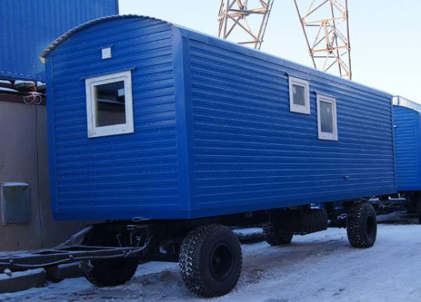 Аренда строительных бытовок в Москве на шасси