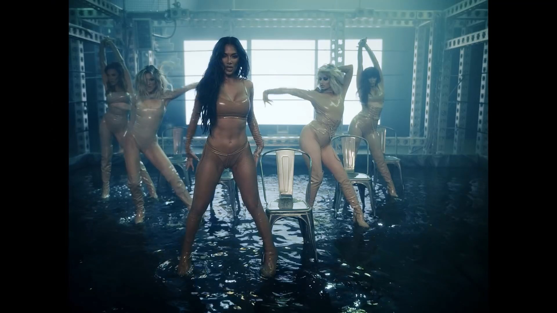 The Pussycat Dolls - React.mp4_snapshot_02.44_[2020.02.10_03.43.35].jpg