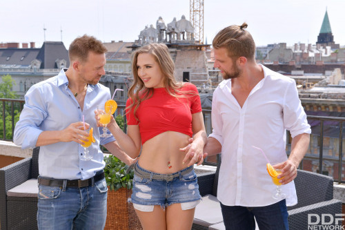 Nicole Pearl - Russian Bombshell Satisfies Two Studs (2020) SiteRip |