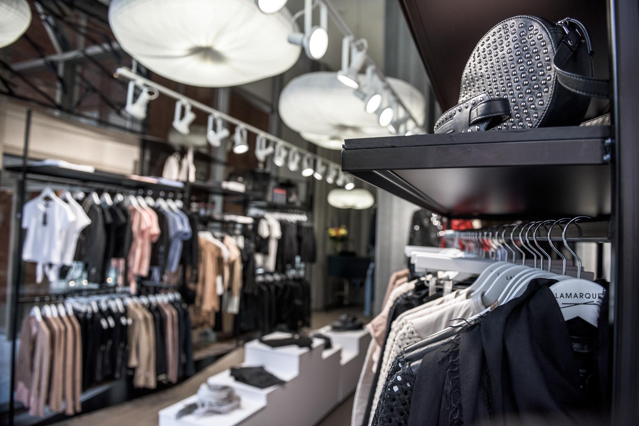 брендовая женская одежда в интернет-магазине SPAZIO