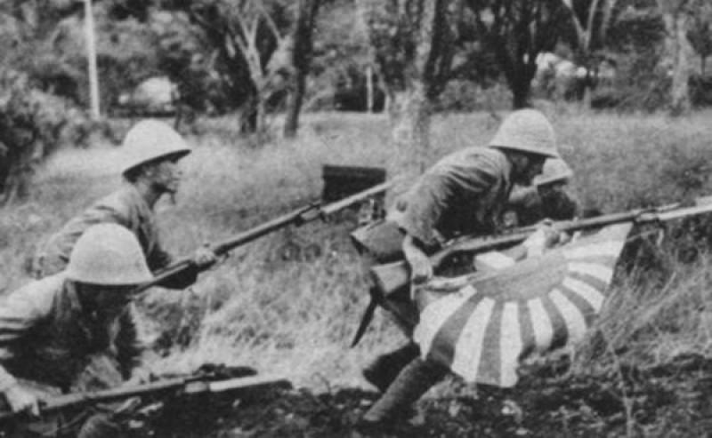 """«Ёсэгаки хиномару» – """"Флаг удачи"""" на винтовке японского солдата"""