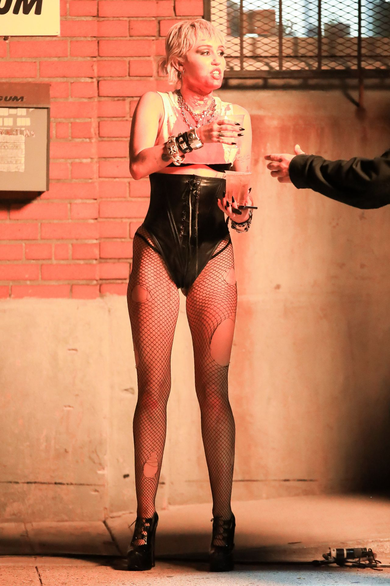 Miley-Cyrus-Sexy-The-Fappening-Blog-17.jpg