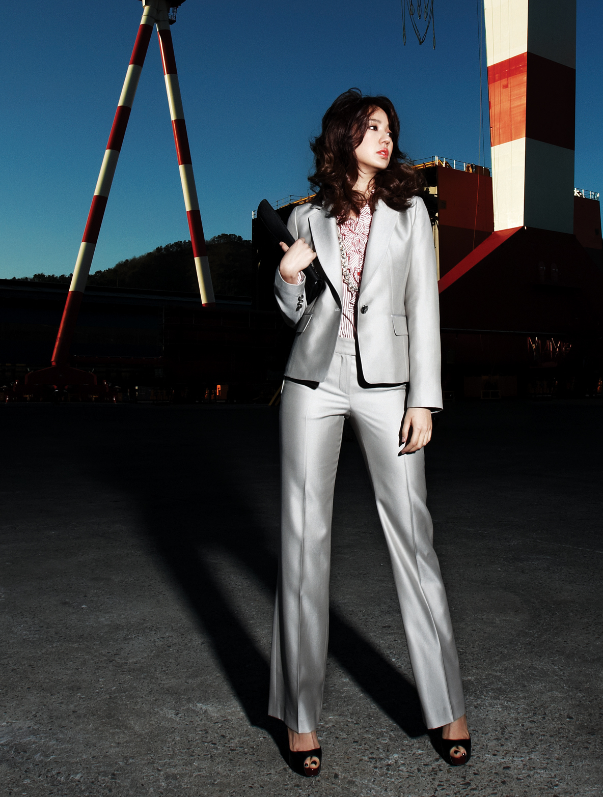 Yoon Eun Hye, Baby V.O.X, steel suit, fashion [PH201027083316]