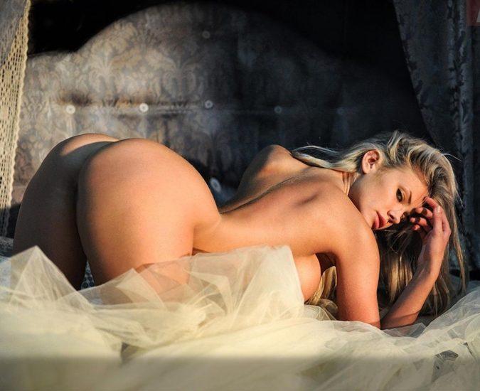 37-Nata-Lee-Nude-Naked-Sexy-675x550_1670360.jpg