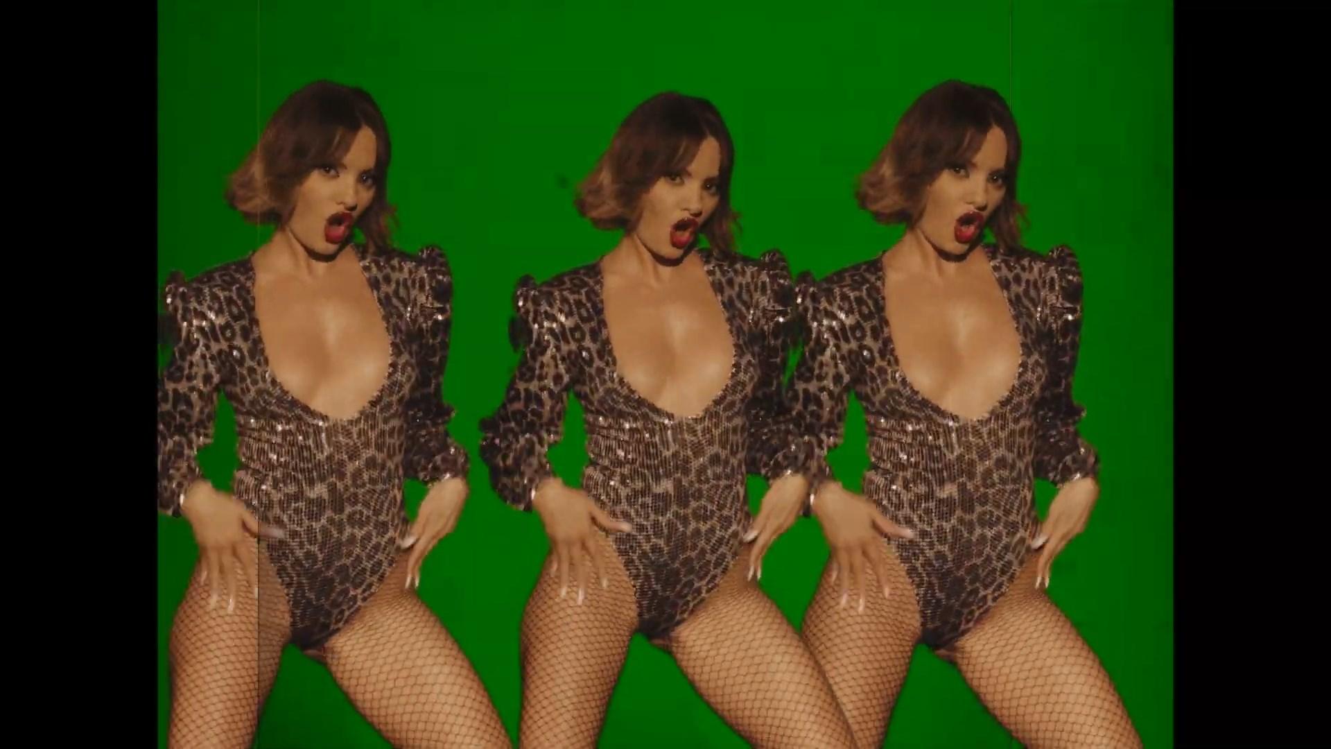 Alexandra Stan x NERVO - Come Into My World   Official Video.mp4_snapshot_02.40_[2021.07.03_03.05.53].jpg