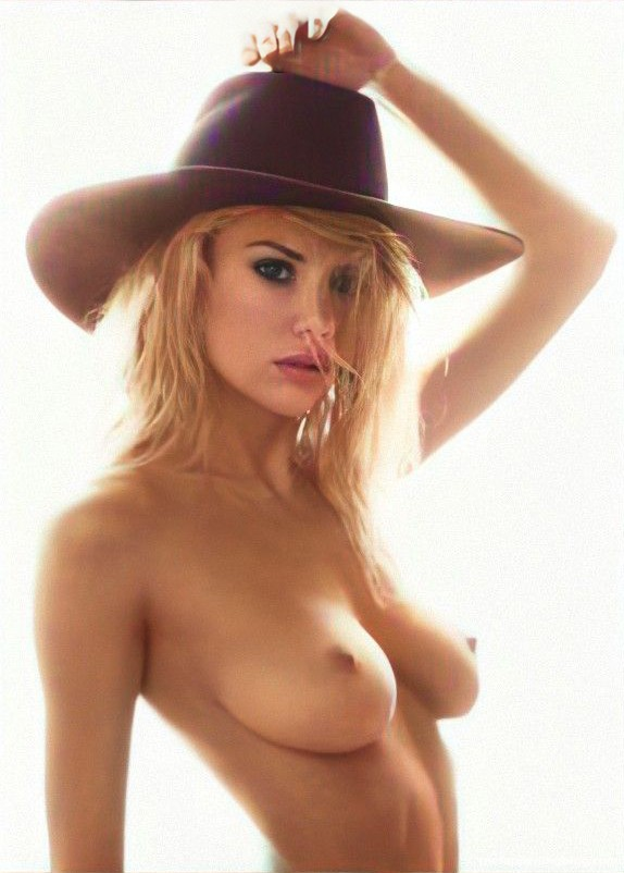 Charlotte-Mckinney-Nude-4-thefappeningblog.com_.jpg