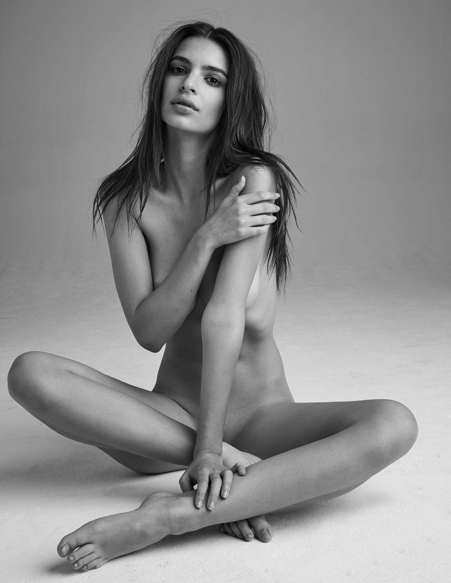 Emily-Ratajkowski-Nude-23-thefappeningblog.com_.jpg